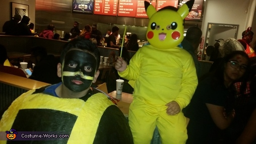 Ultra Pokeball and Pikachu, Ultra Pokeball Costume