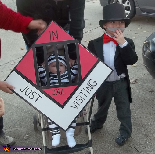 Creative homemade costumes for babies - Uncle Pennybags and Go to Jail! Halloween Costume : creative costumes for kids  - Germanpascual.Com