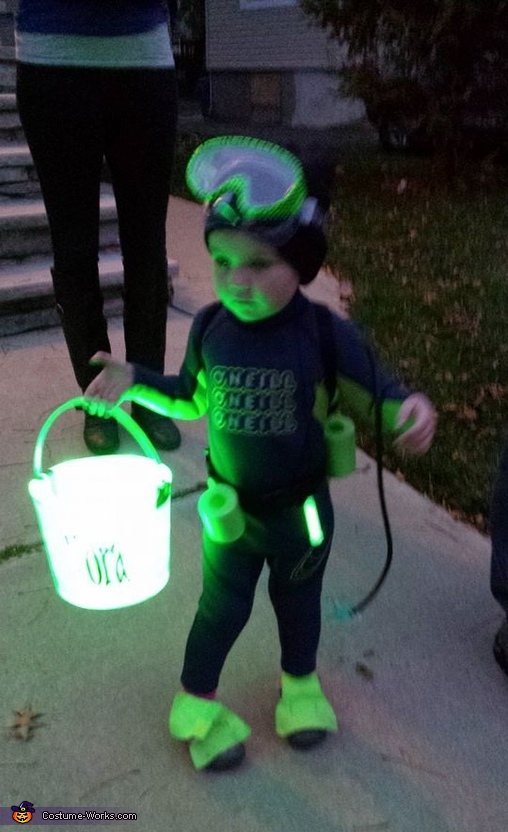 Scuba diver, Nora, out of the cage with her bucket off to collect some chum!, Under the Sea Family Costume