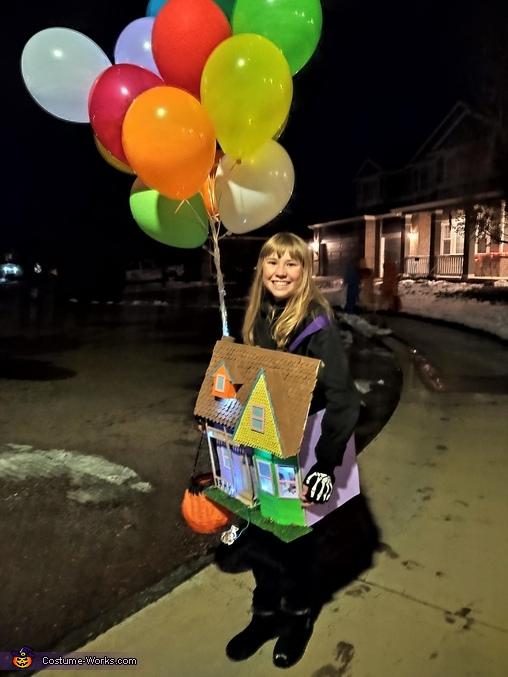 Halloween night 2, Up! House Costume