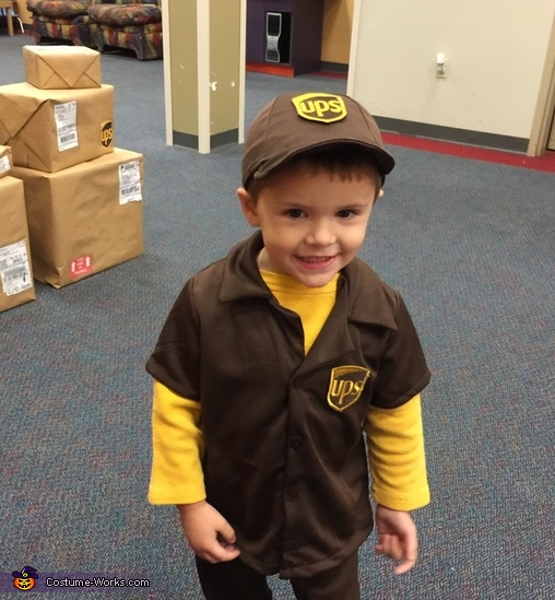 UPS Delivery Boy Costume