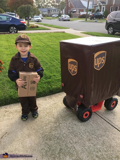 Back of my ups truck., UPS Driver Costume
