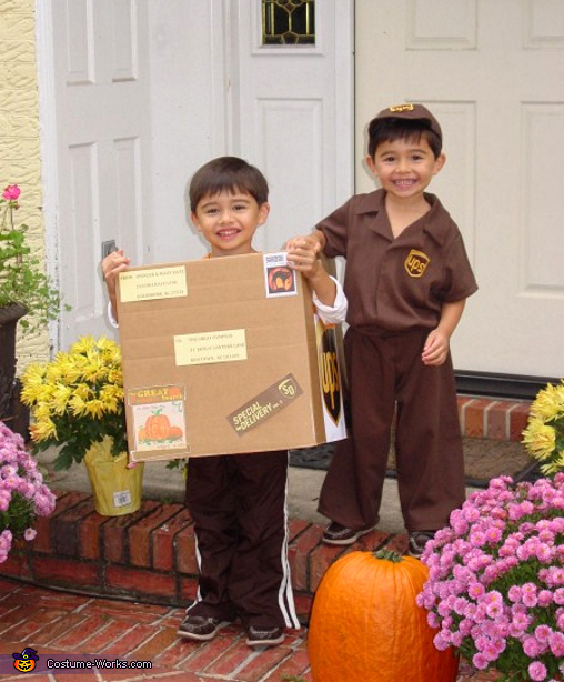 UPS Man with Package - Homemade costumes for boys