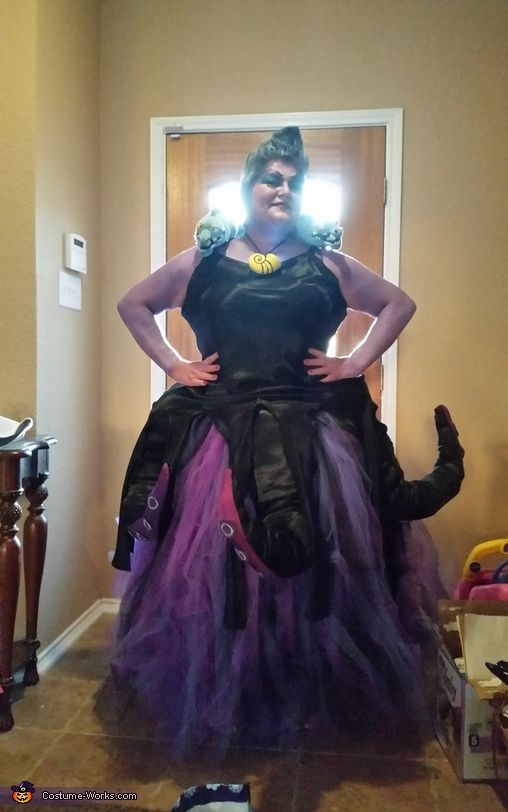 Those Poor Unfortunate Souls not ready for Halloween!, Ursula Costume
