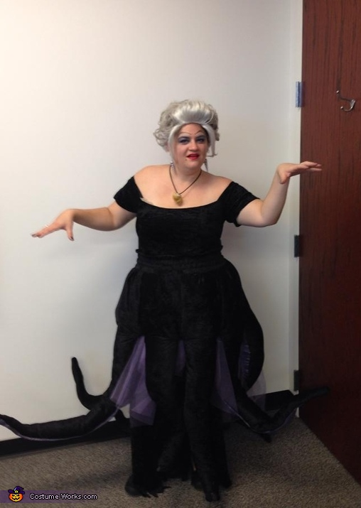 Full length view, Ursula the Sea Witch Costume