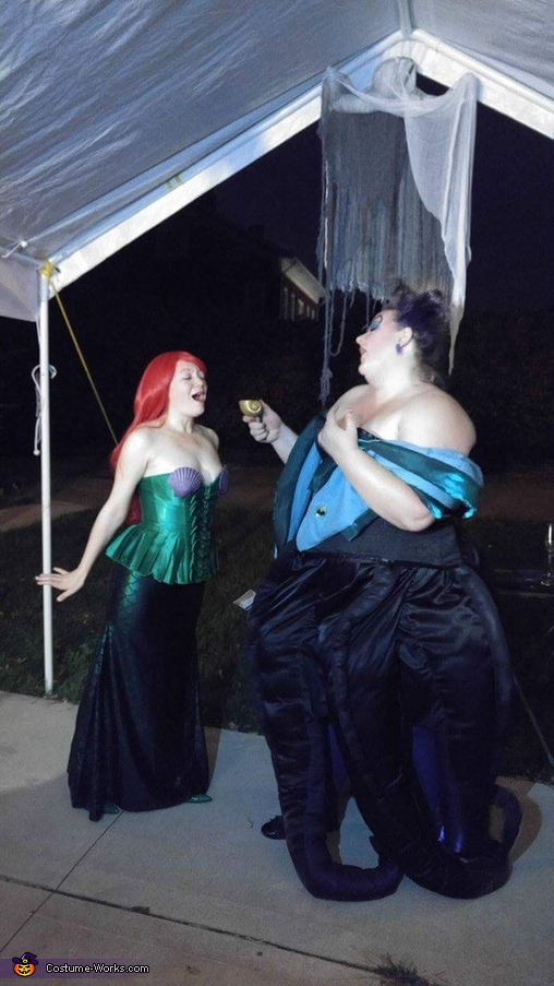 Ariel sings for Ursula, Ursula, Vanessa & Ariel Costume