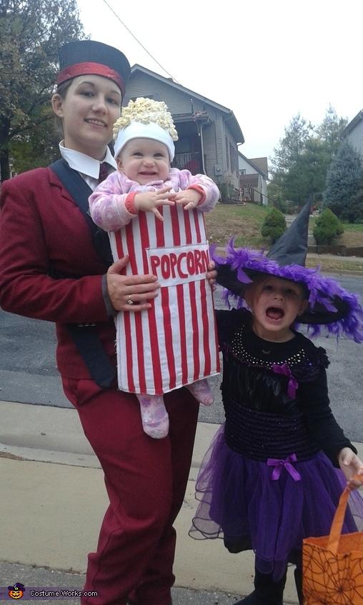 Usher with Popcorn Costume