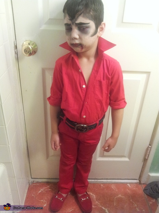 Gino the vampire kid , Vampire Costume