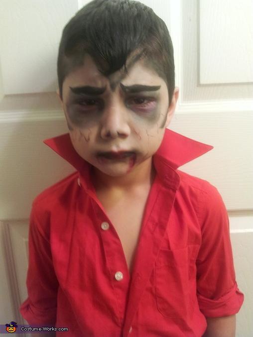 Gino the vampire kid , Vampire Costume
