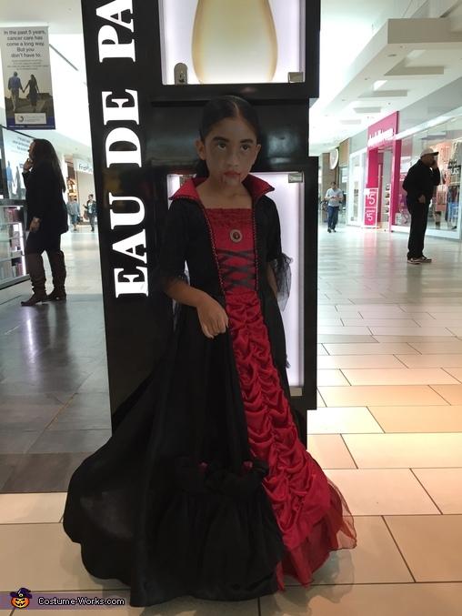 Vampire Queen, Vampire Queen Costume