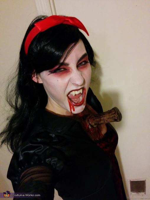 Ahhhhhhh!!!!, Vampire with Stake through Chest Costume