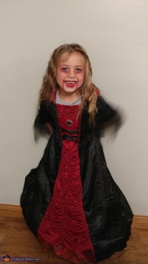Vampiress, Vampiress Costume