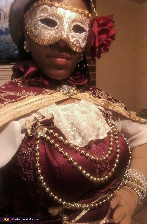 Venetian Pirate Maiden Costume
