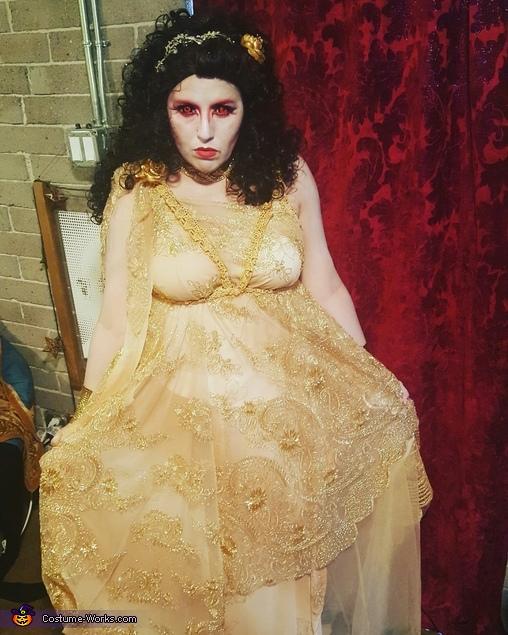 Victoria Costume