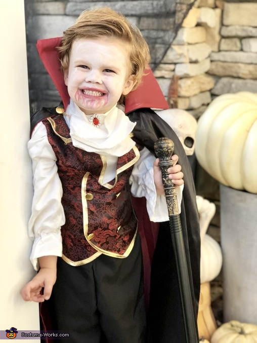 He just drank some blood so he's a happy vampire, Vlad the Vampire Costume