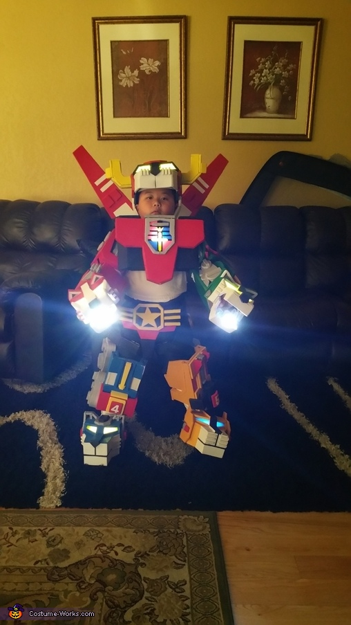 Lights up, Voltron Boy Costume