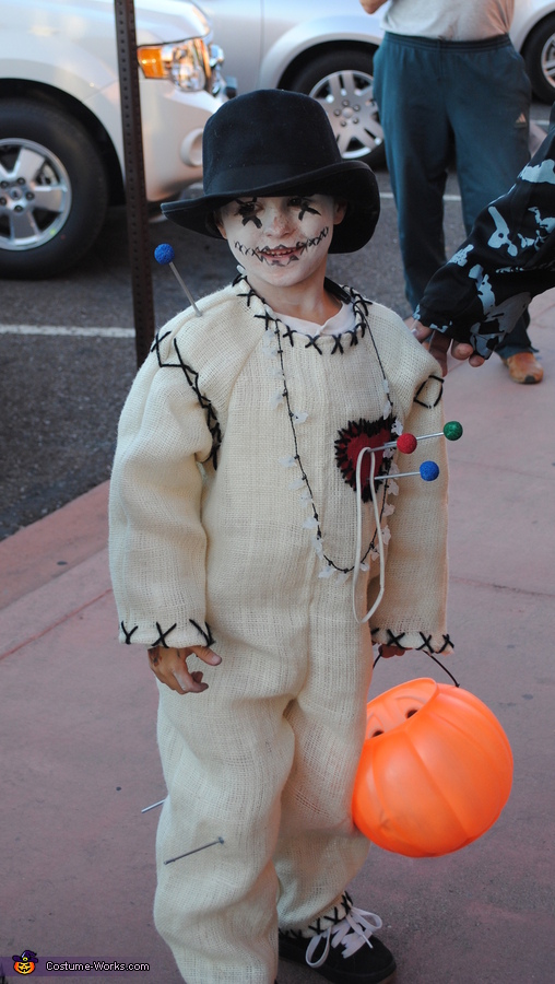 Voo Doo doll. Voodoo Family - Homemade costumes for families