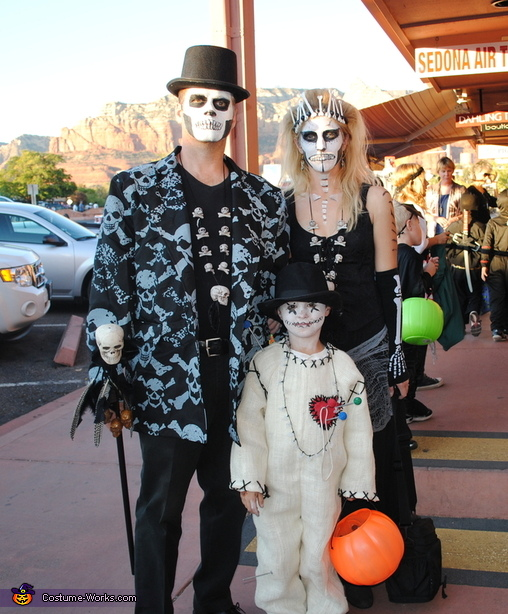 Voodoo Family Costume: Witch Doctor, Voodoo Priestess and Voodoo Doll