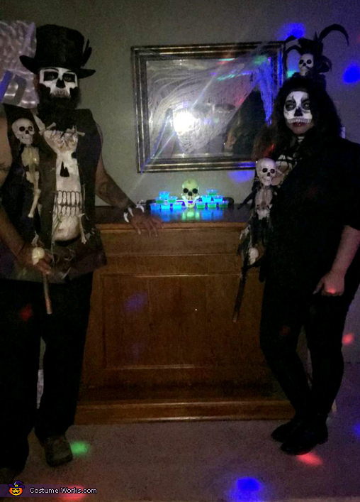 Voodoo Priest and Priestess Costume - Photo 2/4
