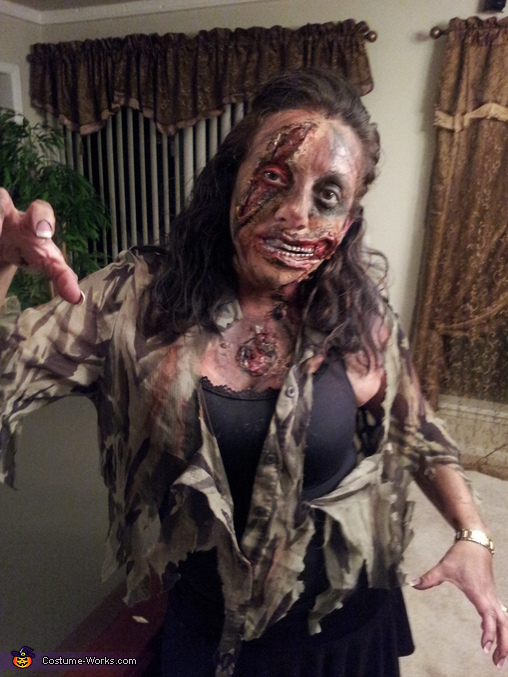 female Zombie, Walking Dead Costume