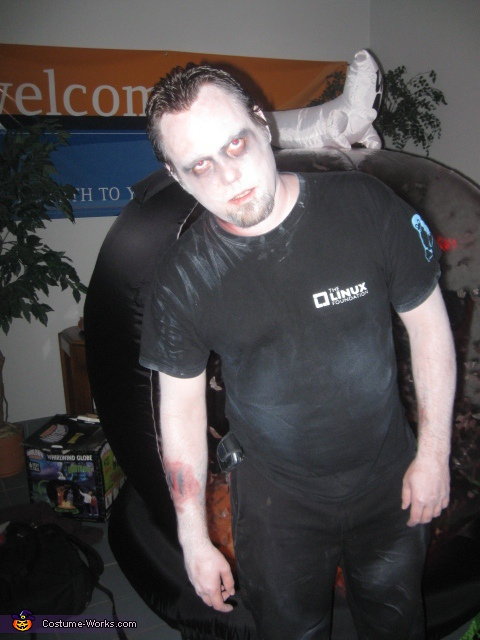 Walking Dead Linux Costume