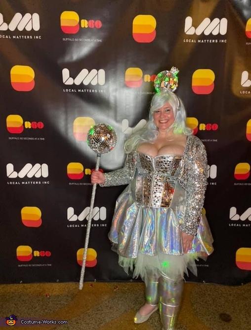 Disco queen, Walking Disco Queen Costume