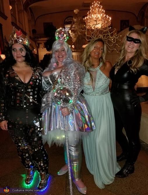 Disco queen With my friends, Walking Disco Queen Costume