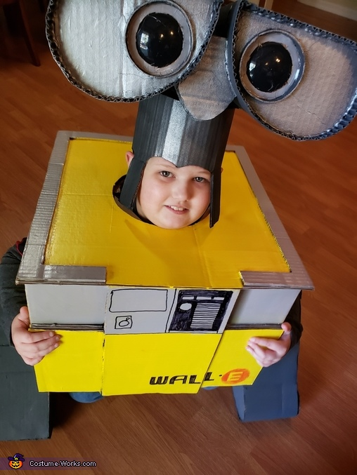 Wall-E Jaxson Costume