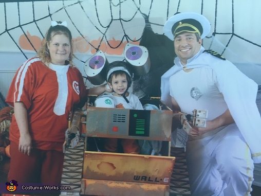 WALL-E Family Homemade Costume
