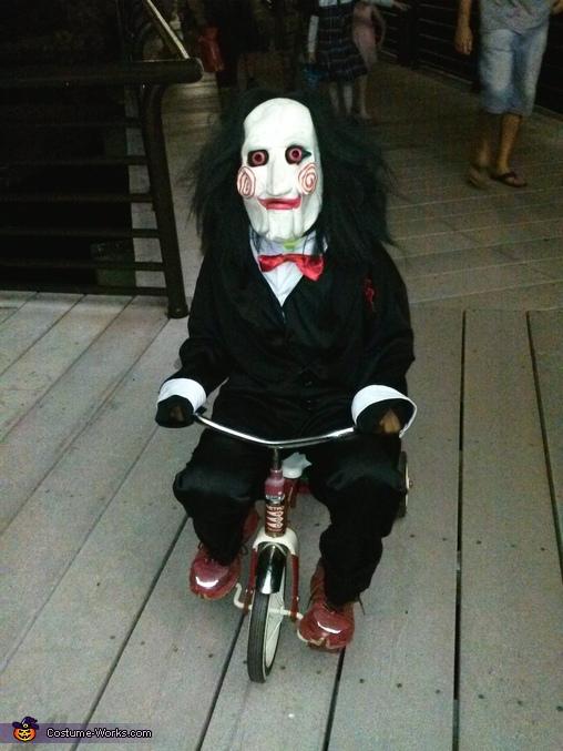 saw costume