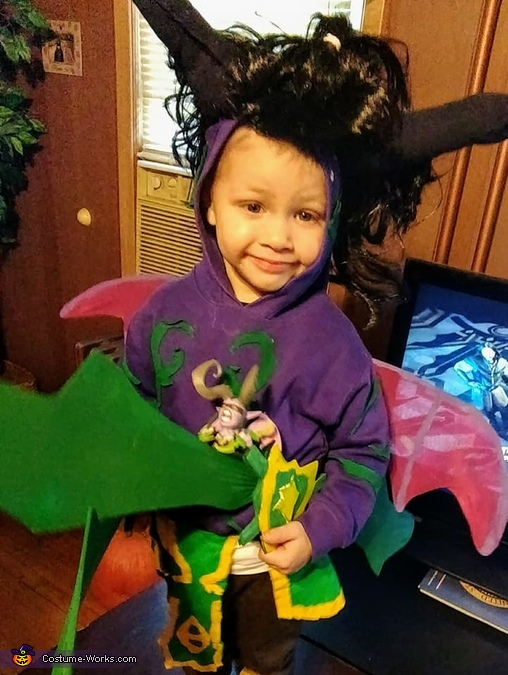 lllidan holding Illidan for reference., Warcraft from Scratch! Costume