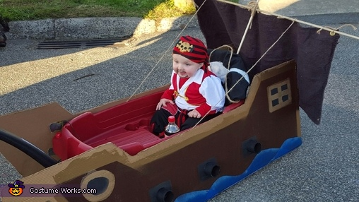 Warren the Pirate Costume