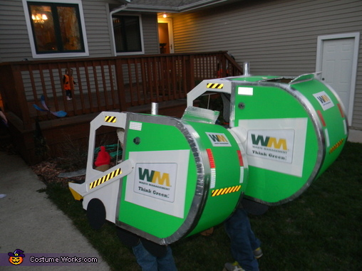 Waste Management Garbage Trucks Costume Photo 3 4