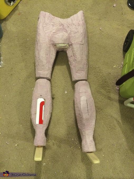 Garth's legs carved, Wayne's World Costume