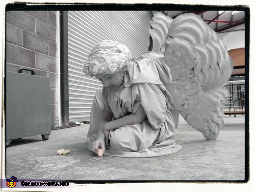 Blending into the sidewalk, Weeping Angel Girl Costume