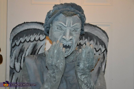 here you get a good look at the mask, wig and finger nails, Weeping Angels Costume