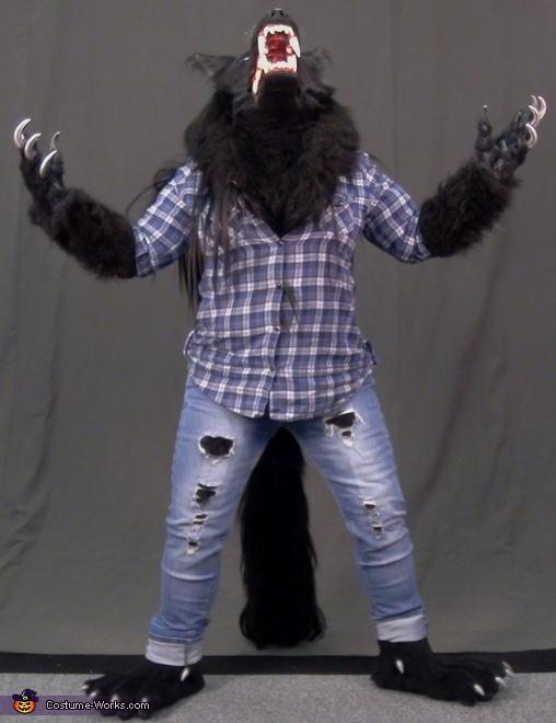 aaAWWWOOOOOooo!!!, Werewolf Costume