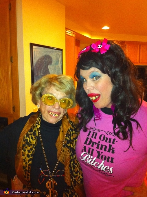 Whitewash momma and daughter, Whitetrash Family Costume
