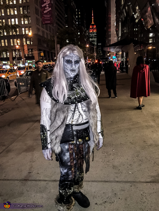 Whitewalking the streets, Whitewalker Costume