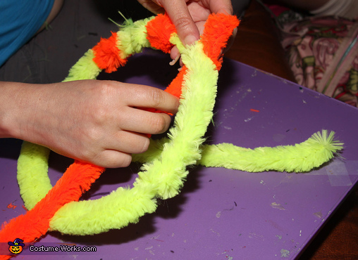Twisting Chenille Stems for Magnifying Glass, Dr. Seuss Who Costumes