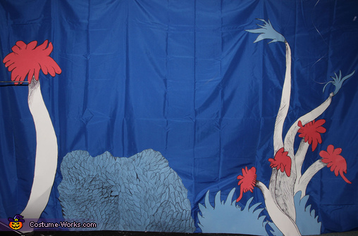 Seuss Background Drawn and Cut from Posterboard, Dr. Seuss Who Costumes
