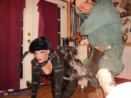 pest control and widow, Widow Costume