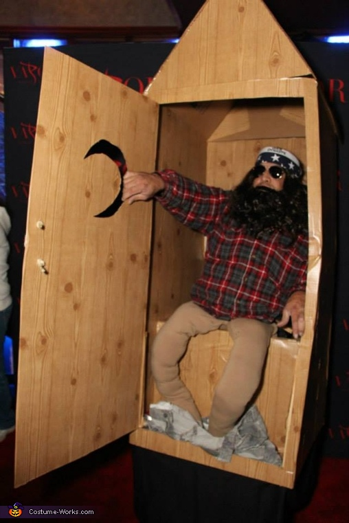 Willie in the Outhouse Costume
