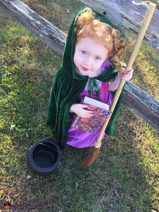 Winnie from Hocus Pocus Costume
