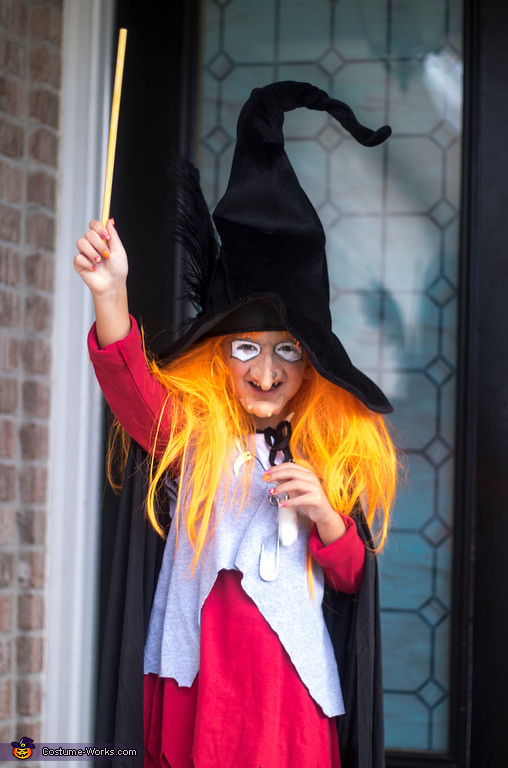Witchy Poo casting a spell, Witchy Poo from H. R. Puffnstuf Costume