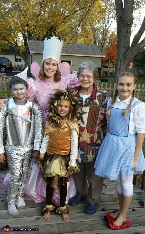 We found a grandma newOZian, Wizard of Oz Family Costume