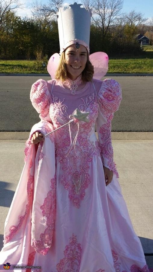 Galinda, Wizard of Oz Family Costume
