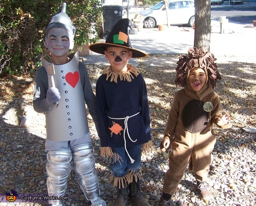 Kids Wizard of Oz Costumes: Tin Man, Scarecrow and Cowardly Lion