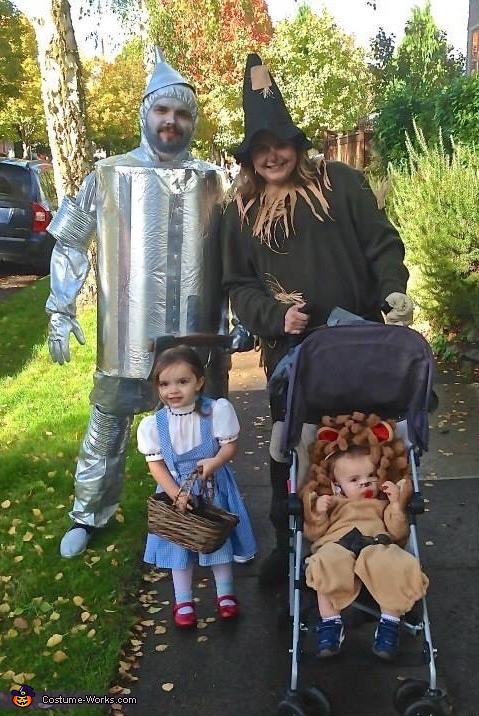 Fanning family, Wizard of Oz Family Costume