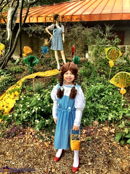 Dorothy and Dorothy at the Zoo, Wizard of Oz Family Costume